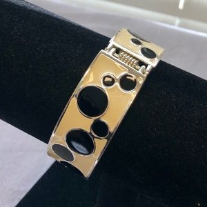 Black & White Silver Tone Enamel Bangle Bracelet.